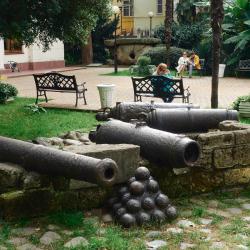 Экспозиция старинных пушек