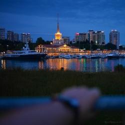 Вид на Сочинский морской торговый порт. 2 июня 2017 г.