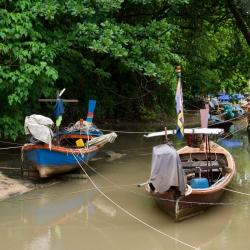 Лодки возле Bangtao Beach
